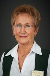 ElisabethChef de RangIm Oedhof seit 1982