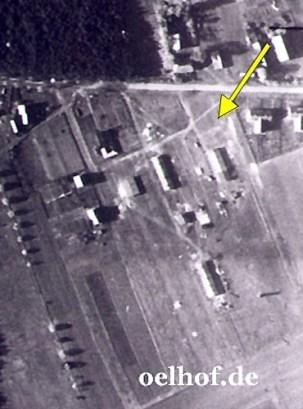 Bild 1: Barackenlager, brit. Luftbild Oktober 1944