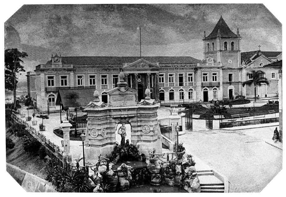 1887 Largo do Palácio, 1887 (atual Pátio do Colégio). (Militão Augusto de Azevedo)
