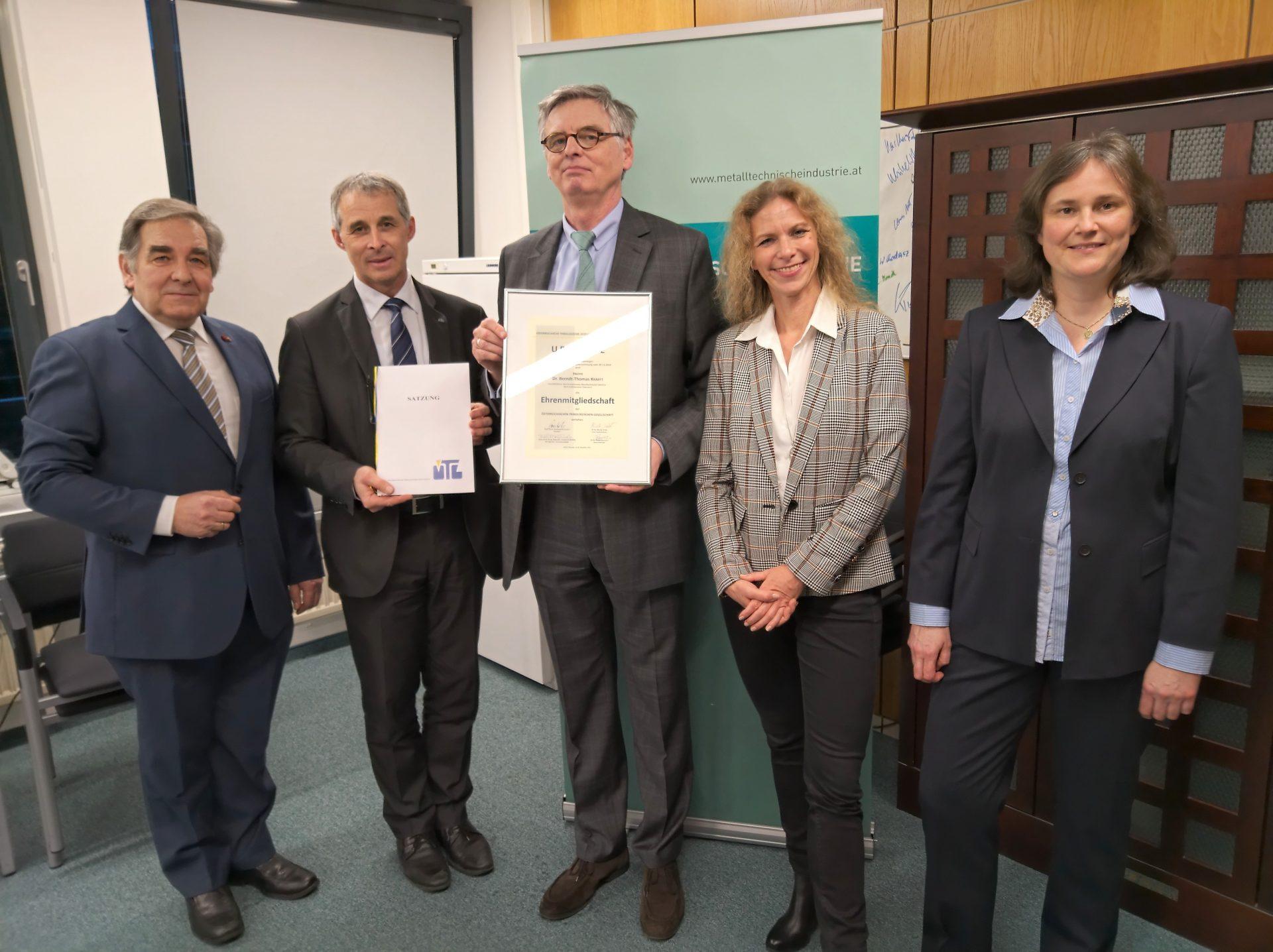 Read more about the article ÖTG-Ehrenmitgliedschaft für den FMTI-Geschäftsführer Dr. Berndt-Thomas Krafft