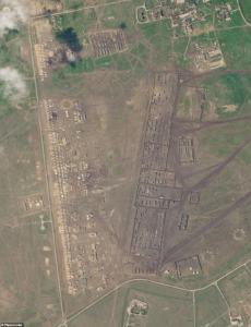 Donbass: Immagine satellitare campo militare russo al confine con l'Ucraina