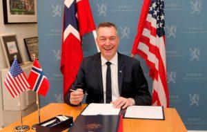 Norvegia: Ministro della Difesa norvegese Frank Bakke-Jensen