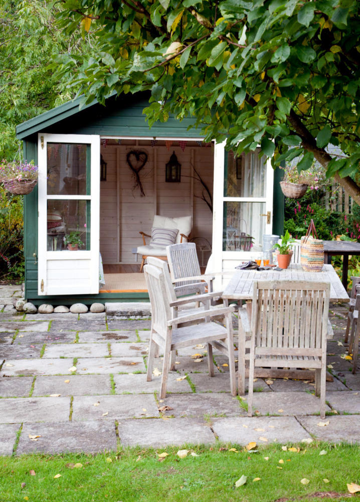 garden furniture in country style