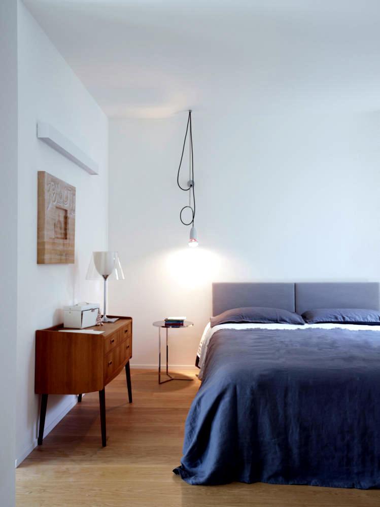 Quiet Room With Pendant Lamp Creative Interior Design Ideas Ofdesign
