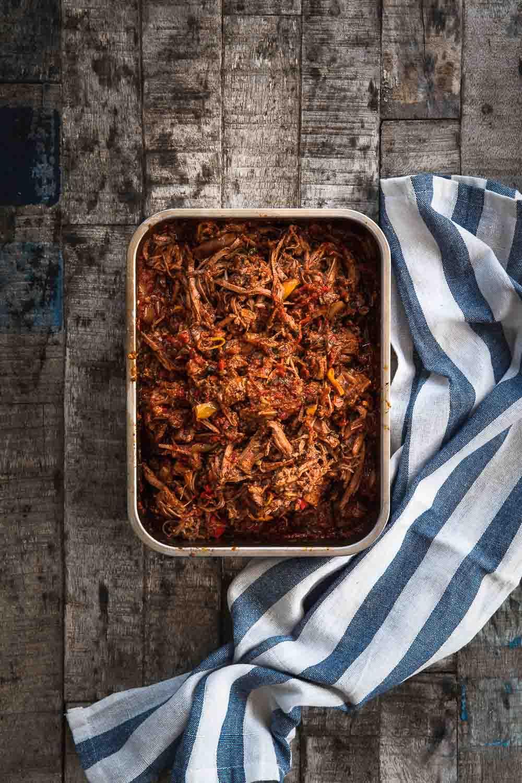 Chili con carne Brisket Rinderbrust zart mürbe Pulled beef Ofen offen