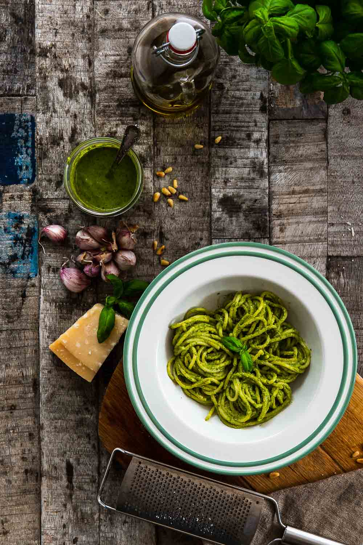 Basilikum Pesto selber machen alle Genovese Rezept italienisch Original Pasta Spaghetti