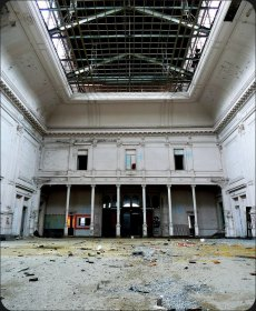 20 - White Hall