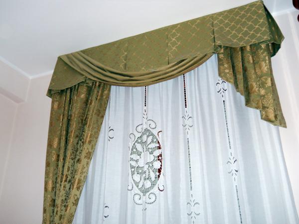 Tenda mantovana in cotone dublino con tessuto in tartan rosso cm.160x300h. Modelli Mantovane Per Tende Anche Per Tende Da Sole Offees