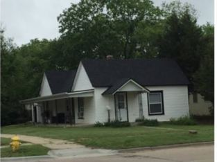 House in Beloit Kansas for Sale!! – Huge Garage!! 10 Miles from Waconda Lake!!!