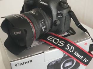 NEW Canon EOS 5D Mark IV 30.4 MP Digital SLR Camera With 3Lens W/MATTE BOX