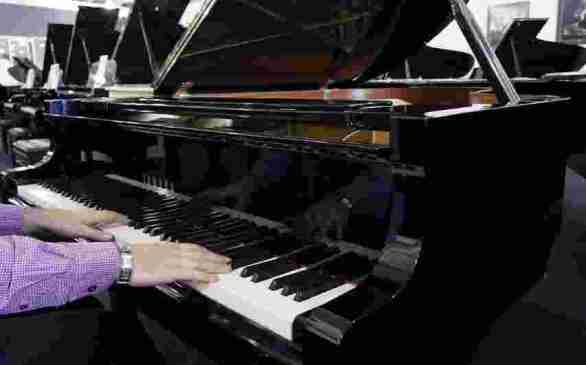 SteinwayShowrooms-Boston-Grand-Piano-Sweepstakes