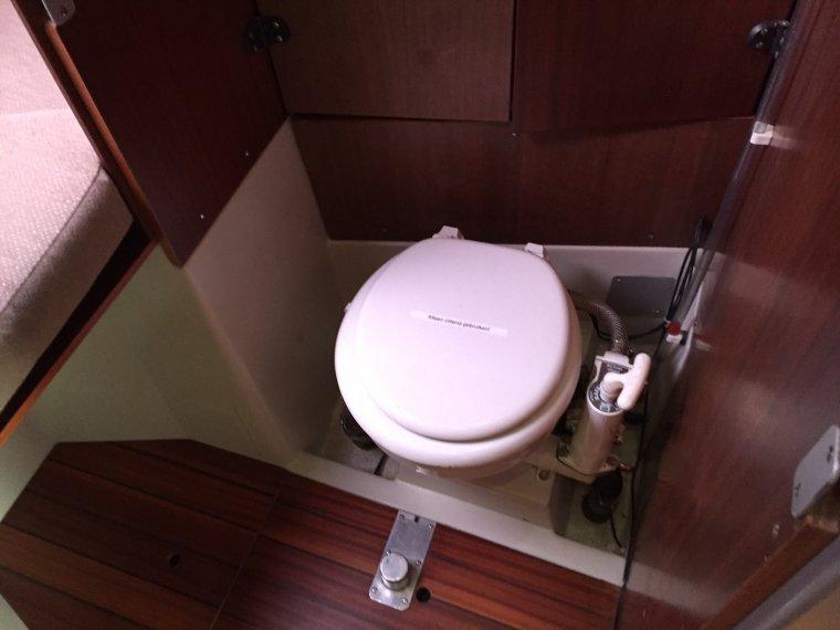 Boot Toilet Inbouwen : Inbouwen vuilwatertank in etap bj offertehaven