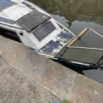 Polyester boot (5.10m x 1.95) opnieuw verven en nieuwe boeg fender plaatsen te amsterdam