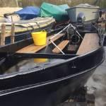 Sandstralen bovenkant oud stalen zeilboot (ca 6m)