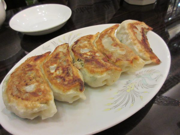 台湾料理 蘭のジャンボ焼き餃子①