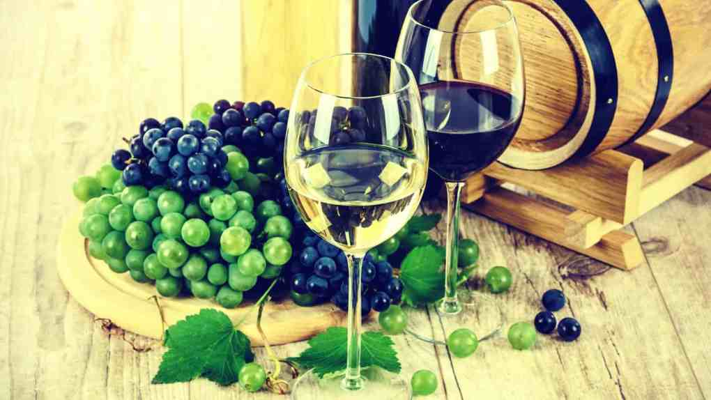 Glass of Red Wine and a Glass of White wine from a wine keg delivered by Office Libations