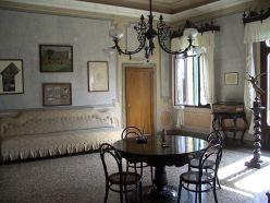 1024px-Villa_Giusti_inside