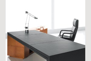 apollo_directors-desk_2