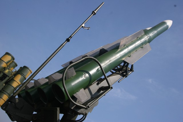 9M317 surface-to-air missile on the Buk-M2 quadruple launcher at 2007 MAKS Airshow.