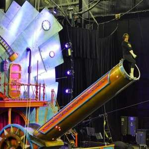 Starting the preview of  Circus Xtreme with the human cannonball!