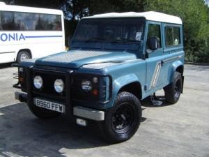 land-rover-defender-estate-diesel_12574273