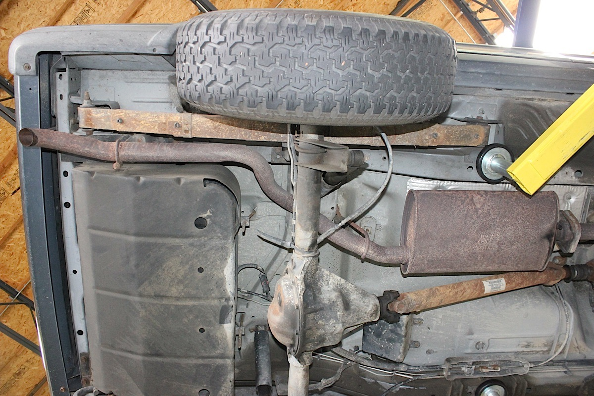 gibson cat back exhaust install on jeep