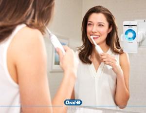Brushing with Oral-B genius tootbrush lifestyle image