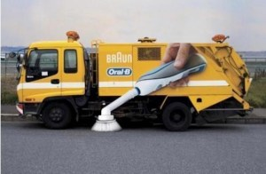 oral-b street cleaning toothbrush truck
