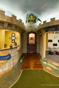 smile kingdom entrance with dragon