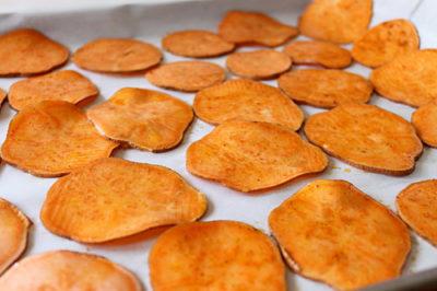 Sweet potato chips. Image source: simplecomfortfood.com
