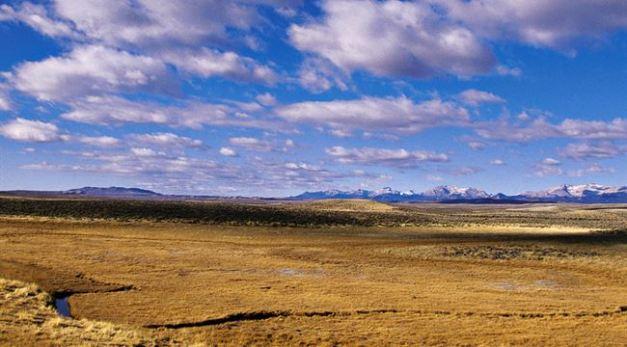 western land -- wyoming tourism