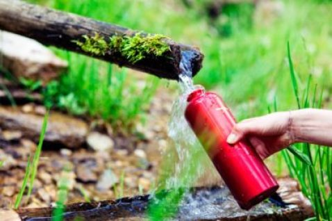 How to drink water safely in the wilderness