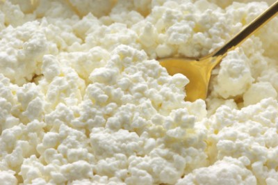 Homemade cottage cheese. Image source: Preparednessadvice
