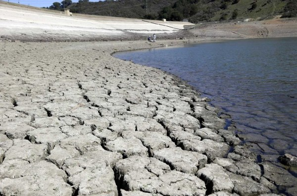 Amid Record Drought, Fracking Companies Given Free Pass To ...