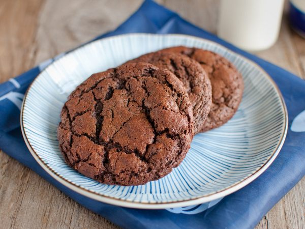 Chocolate date biscuits ***