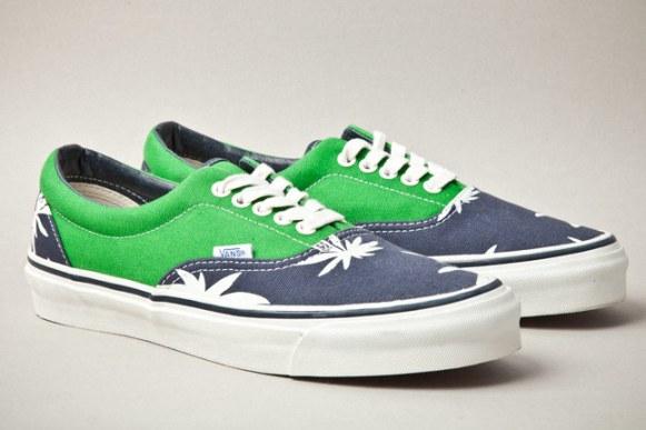 vans-vault-era-lx-palm-leaf-green-navy-pair-1