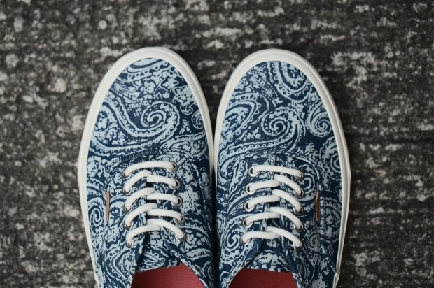 173b02a62e91 vans-2013-fall-authentic-paisley-pack-02