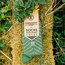 One of the easiest ways to start living a greener life is to quit fast fashion - and start supporting sustainable clothing companies like Conscious Step!