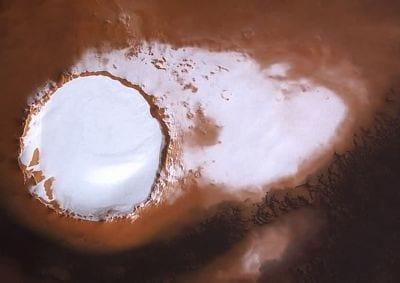 Sonda Mars coleta imagens de neve em Marte