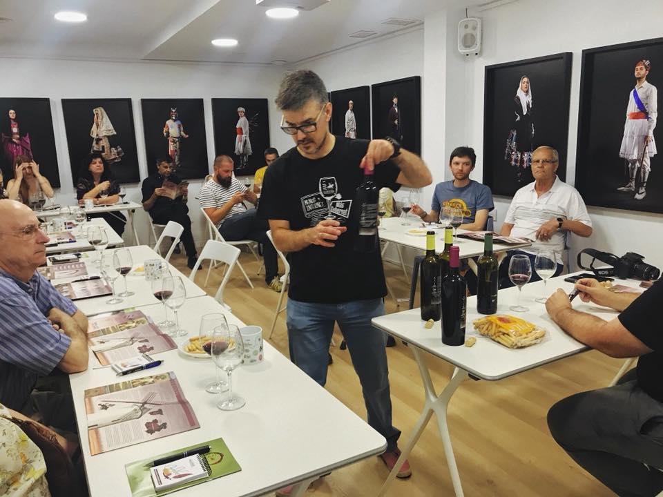 Cata de vinos de La Mancha.