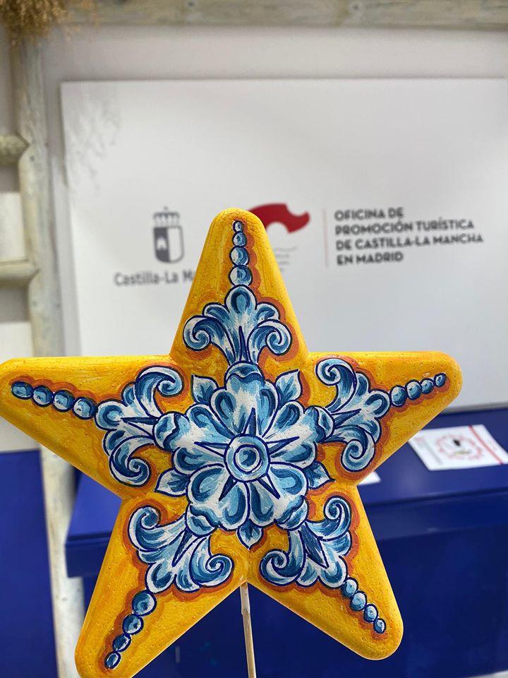 Taller de estrellas de navidad de Greca Talaverana con Isabel Rueda (Toledo)