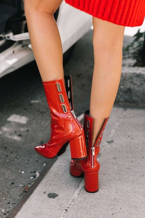 How to Wear the Vinyl Trend | Ofleatherandlace.com | Fashion blogger, style trends, fashion trends, vinyl shoes, patent leather shoes, patent leather boots