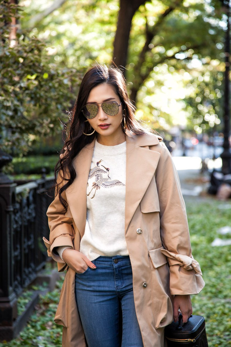 How to Style a Trench Coat for Winter - Aviator Sunglasses with Oversized Trench Coat | in NYC | Ofleatherandlace.com