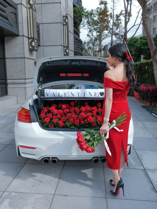 9 Days of Valentine – Day 3: Take A Road Trip | Of Leather and Lace - Fashion & Travel Blog by Tina Lee | valentines date ideas, valentines day decor, red roses, car trunk red roses, red dress, valentines dress, valentines outfit ideas