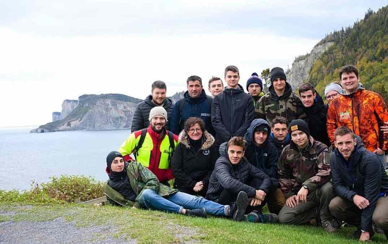 Des jeunes en formation en foresterie en voyage d'études au Québec