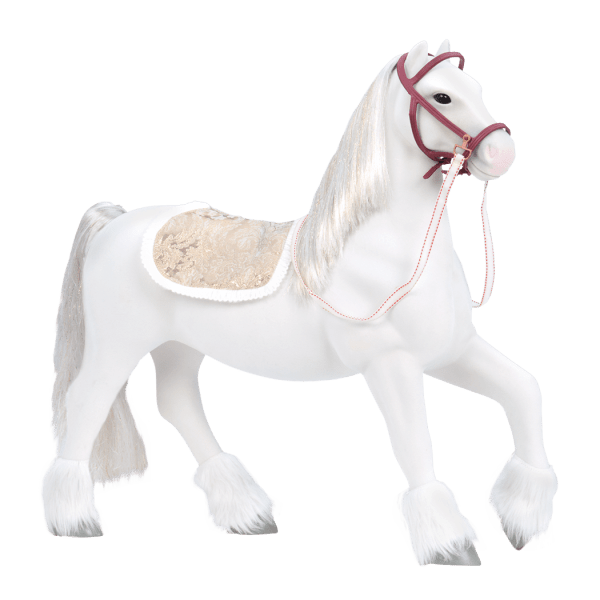 BD38025-Clydesdale-Holiday-Horse-Main@3x