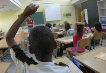 bambini a scuola  Q