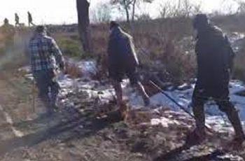 I cacciatori nel filmato reso pubblico sul web