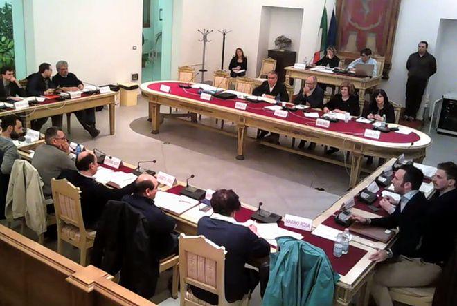Sobillatori in Consiglio comunale a Tortona? Lo sostiene PD che attacca Morreale e la minoranza, ma racconta una verità parziale