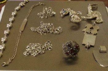 A Casale la colf ruba oggetti d'oro e soldi, presa dalla Polizia